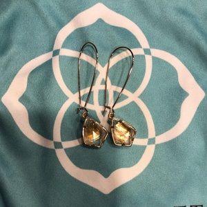 Kendra Scott Carinne drop earrings in brown pearl